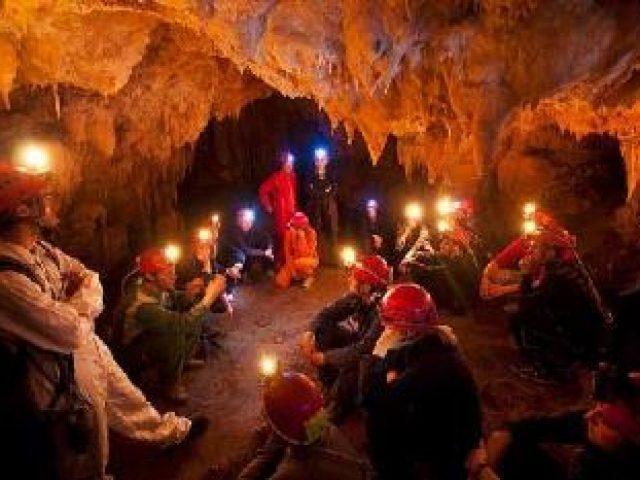 Abenteuer in  in der Höhle Modrić