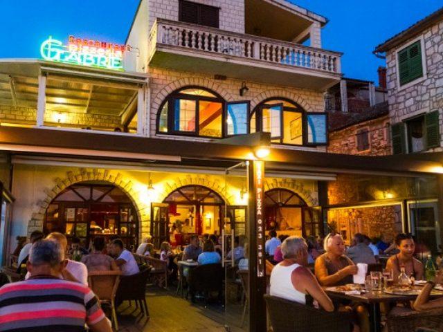 Restaurant-pizzeria & coctail bar Gabre